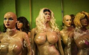 """Manequins """"cirurgicamente modificados"""" - Venezuela"""